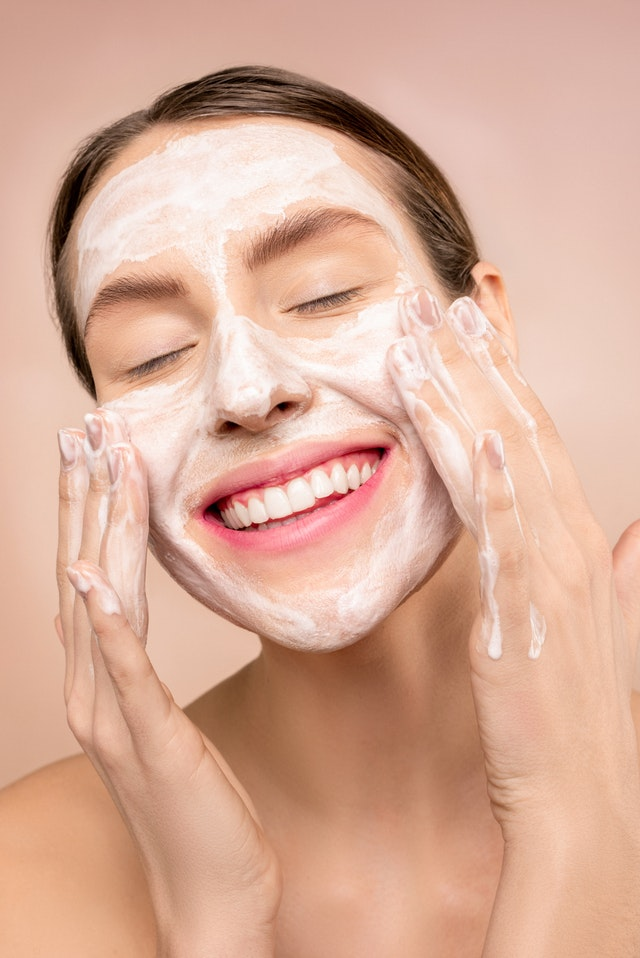 7 Effective Tips To Deal With Oily Skin